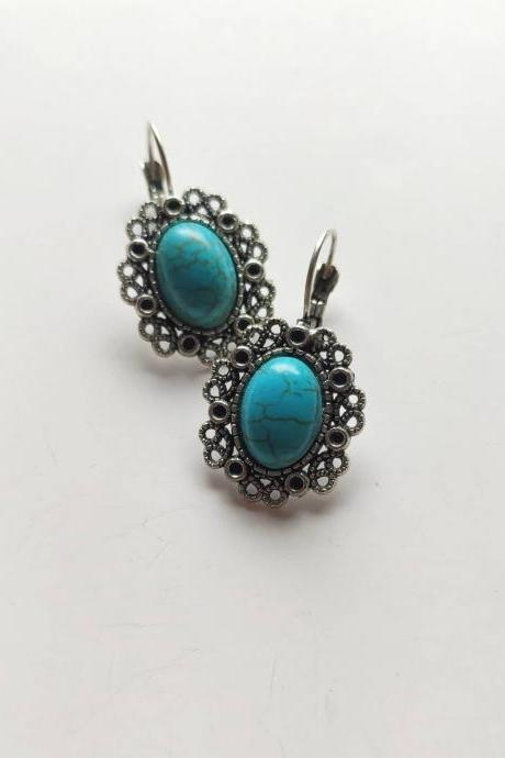 Silver 3 cm brass circle monachella earrings with monachella closure and turquoise stone