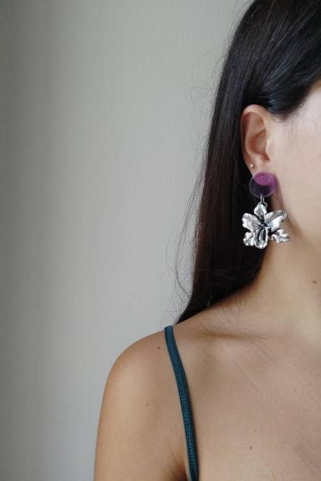 Oriental-style silver brass dangling earrings with lilac acrylic pin