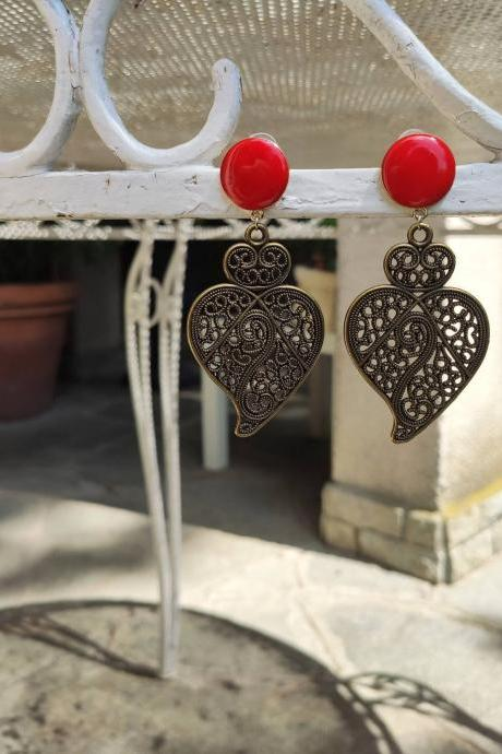 Sacred heart earrings in bronze brass with mamulated brass pin