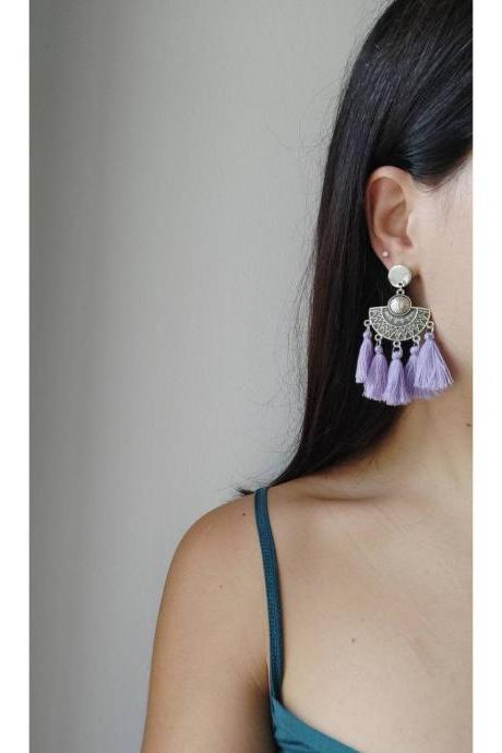 Dangling earrings with silver lilac tassels in oriental brass with steel pin