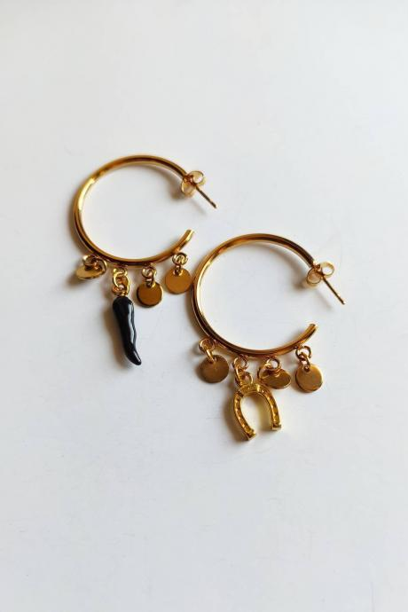 Gold-coloured 3cm stainless steel hoop earrings with black chilli and lucky charms